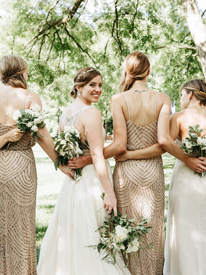 gold bridesmaids | Perregeaux Wedding Photography | Glamour & Grace