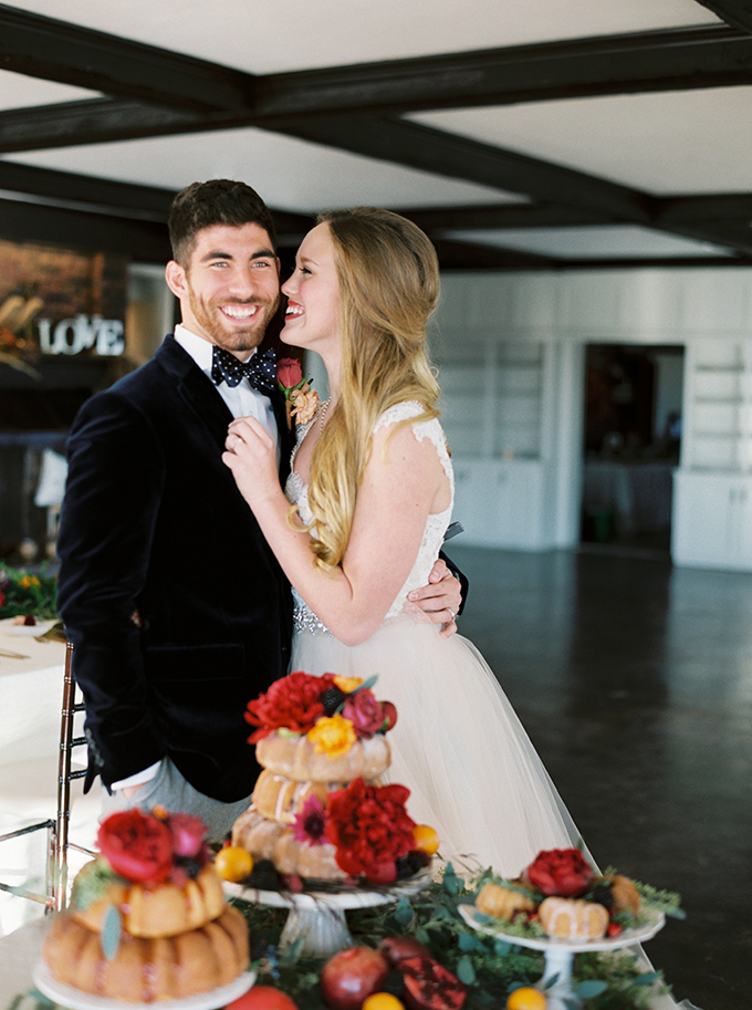 romantic jewel tone wedding inspiration | Sheradee Hurst Photography | Glamour & Grace