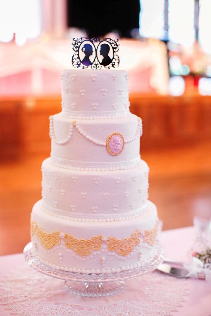 vintage wedding cake   SB Childs Photography   Glamour & Grace