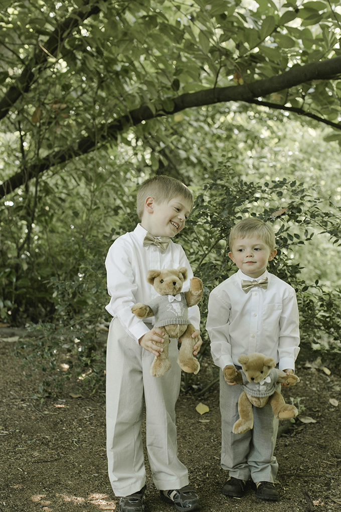 ring bears | Heather Elizabeth Photography | Glamour & Grace