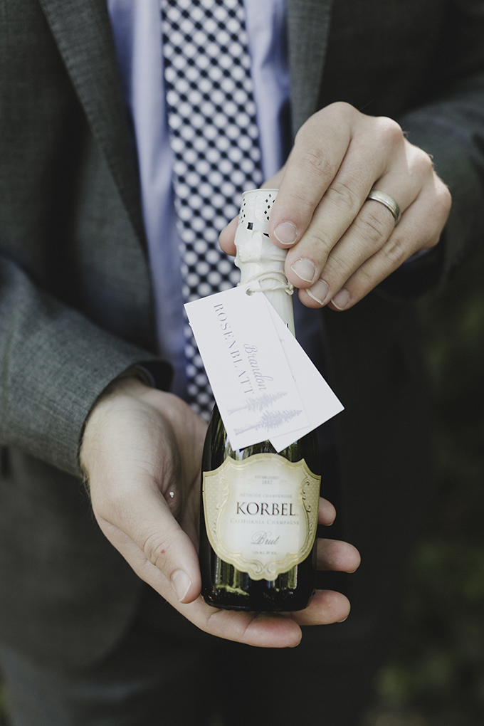 champagne escort card | Heather Elizabeth Photography | Glamour & Grace