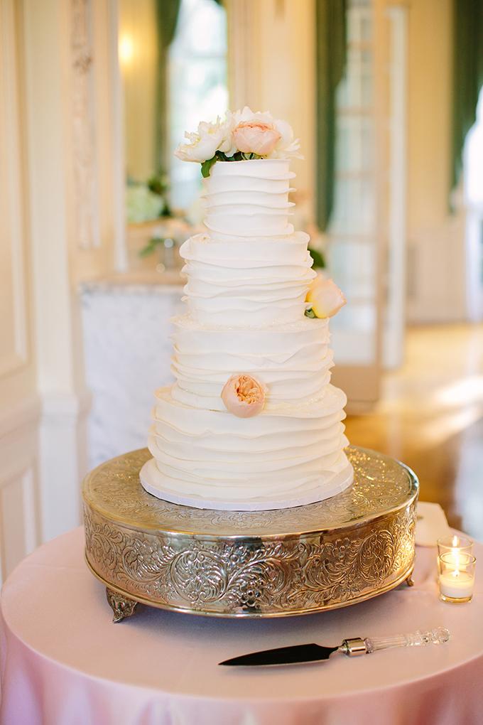 white ruffle cake | Sarah Pudlo & Co | Glamour & Grace