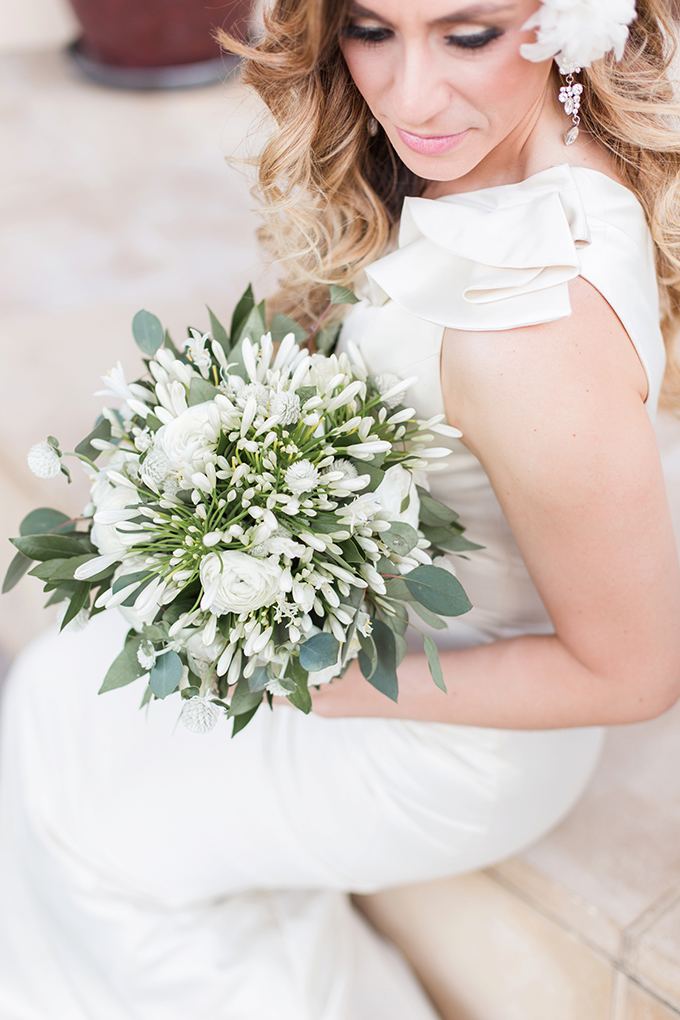 glam blue wedding inspiration | Moments By Foxx | Glamour & Grace