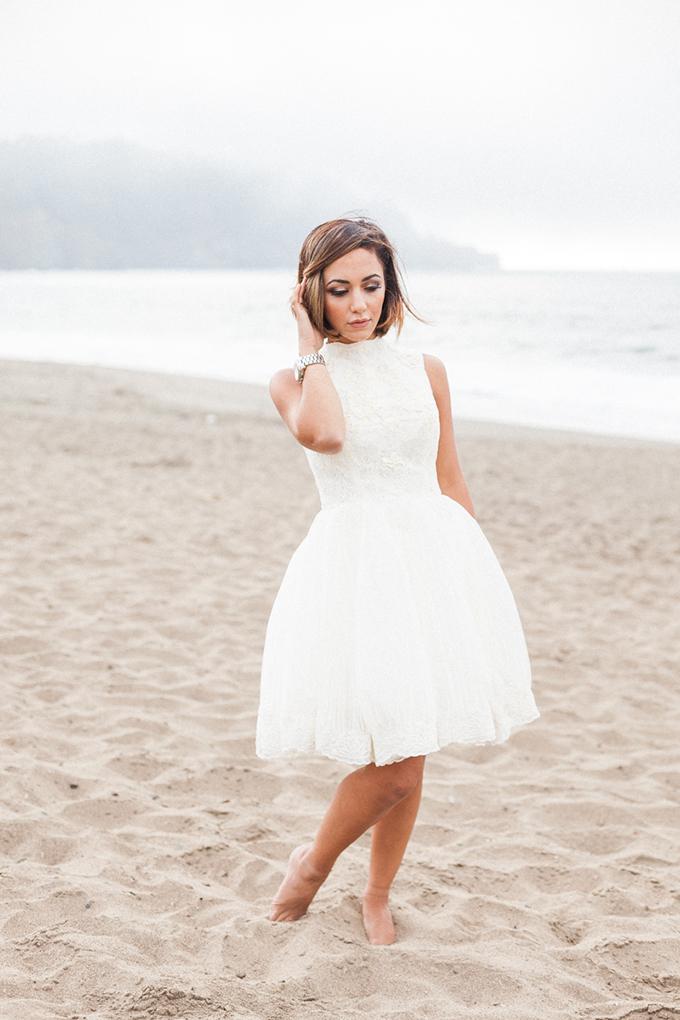 stylish beach anniversary | April Maura Photography | Glamour & Grace