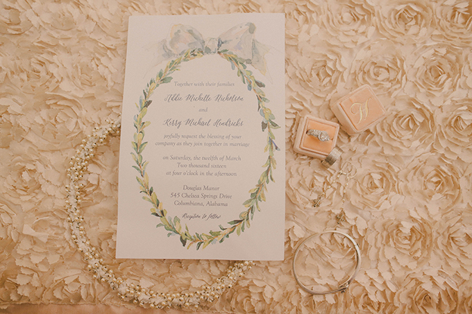 romantic rainy day wedding | j.woodbery photography | Glamour & Grace