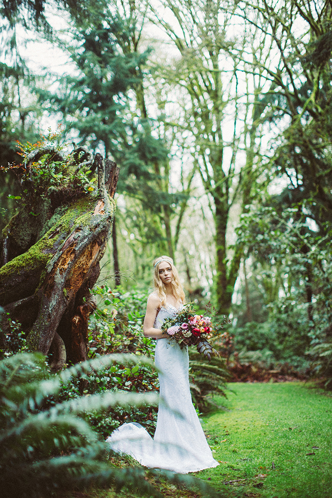 woodland fall bridal session | Picture Marvelous | Glamour & Grace