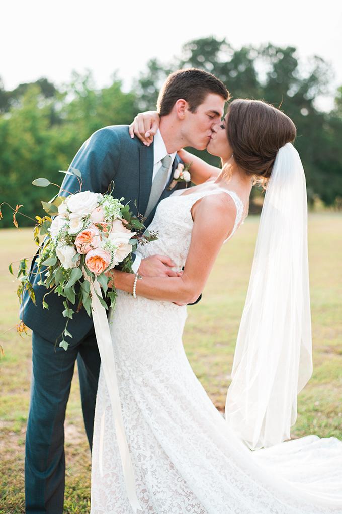 elegant cliffside Southern wedding   Cotton & Clover Photography   Glamour & Grace-31