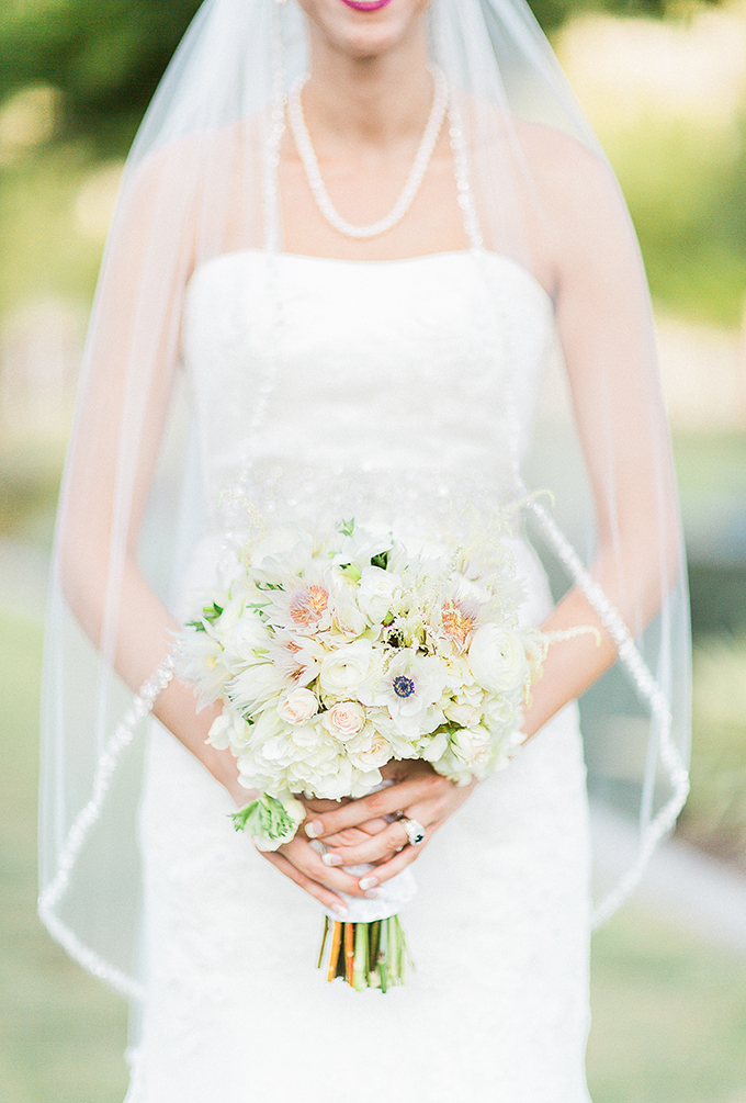 white bouquet | Fleckography Co. | Glamour & Grace