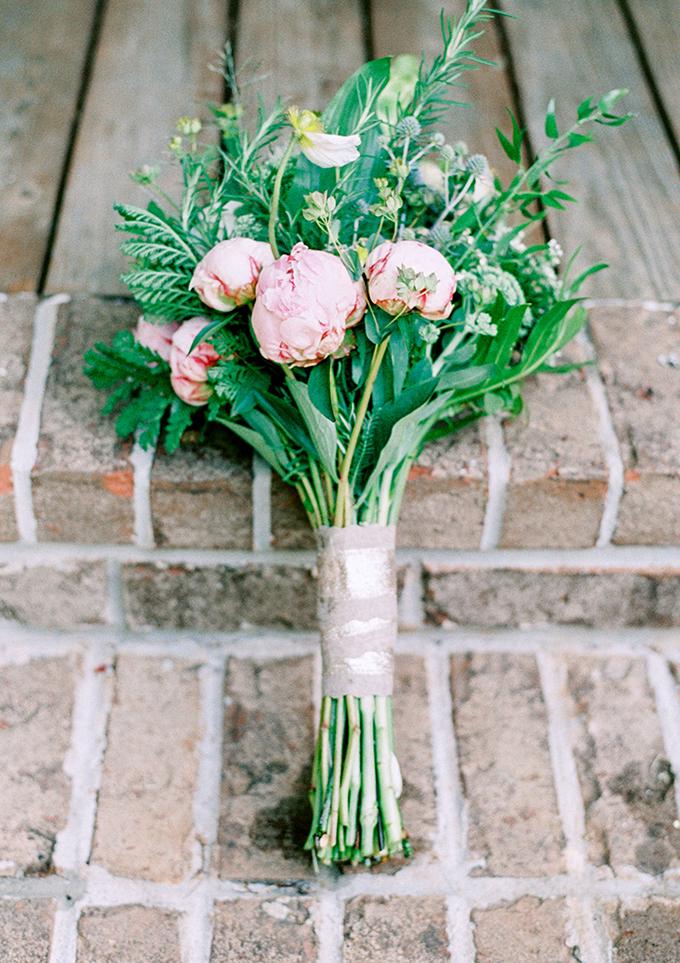 peony bouquet | Michelle Lea Photographie | Glamour & Grace