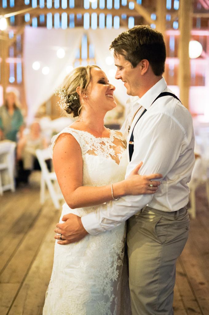 summer barn wedding   Eric M Schwanke Photography   Glamour & Grace