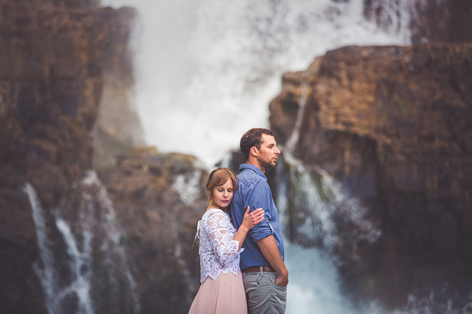 whimsical waterfall elopement | Chelsea Dawn Photography & Makeup Artistry | Glamour & Grace-05