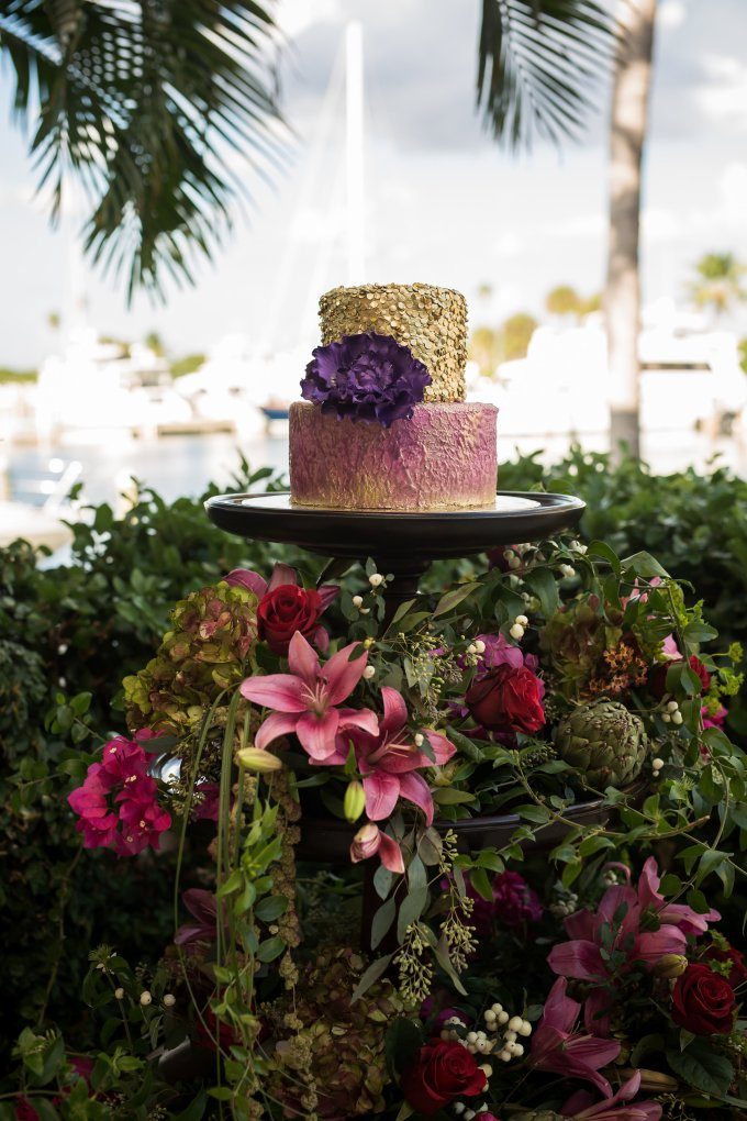 destination wedding in Sarasota at Longboat Key Club | Cat Pennenga Photography | Glamour & Grace-08