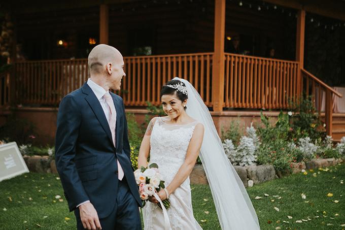 intimate lodge wedding | Jay & Jess Photography | Glamour & Grace-07