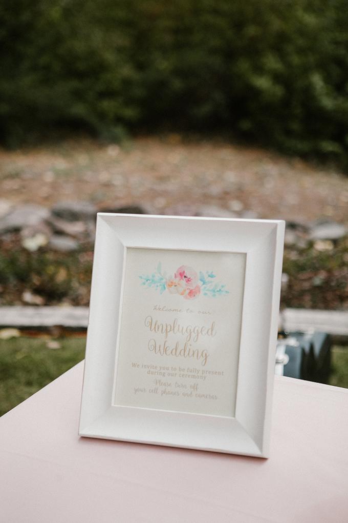 intimate lodge wedding | Jay & Jess Photography | Glamour & Grace-10