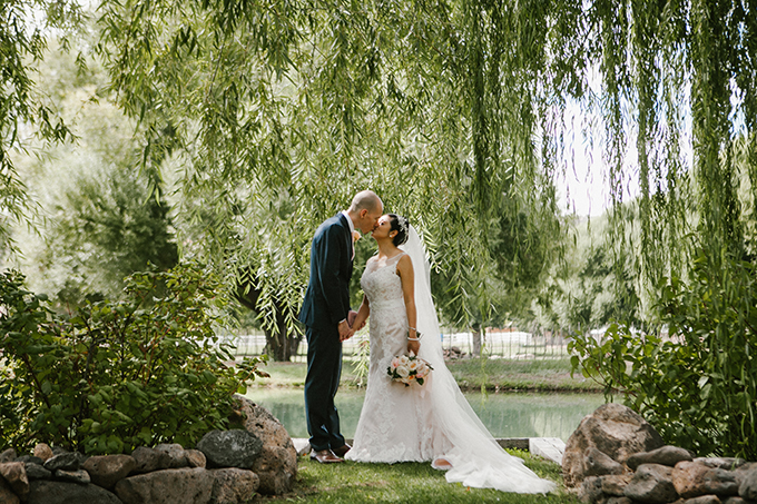 intimate lodge wedding | Jay & Jess Photography | Glamour & Grace-19