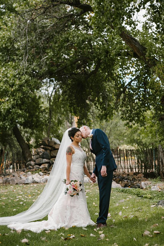 intimate lodge wedding | Jay & Jess Photography | Glamour & Grace-21