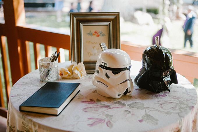 intimate lodge wedding | Jay & Jess Photography | Glamour & Grace-34