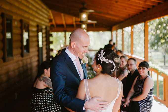 intimate lodge wedding | Jay & Jess Photography | Glamour & Grace-38