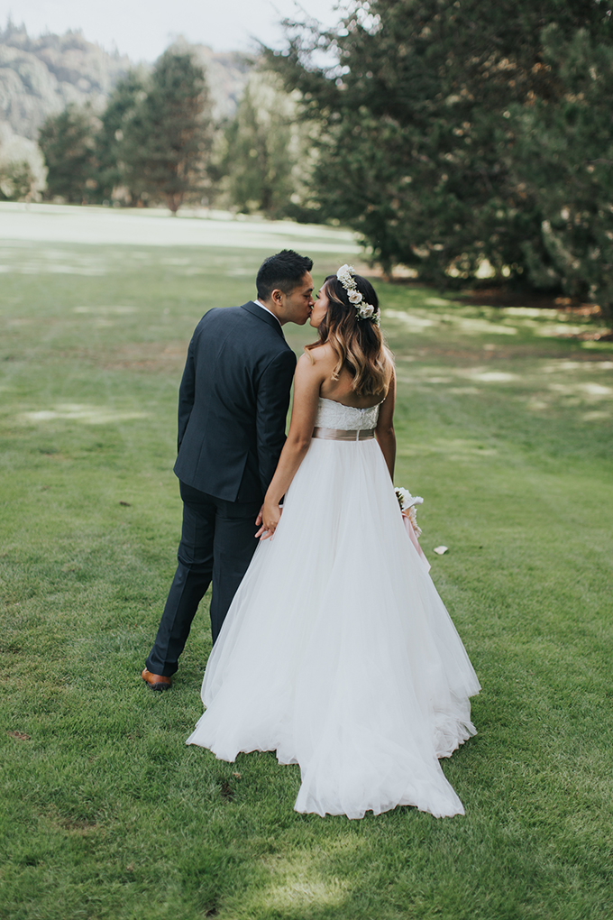 romantic golf course wedding | Andrea Zajonc Photography | Glamour & Grace-20