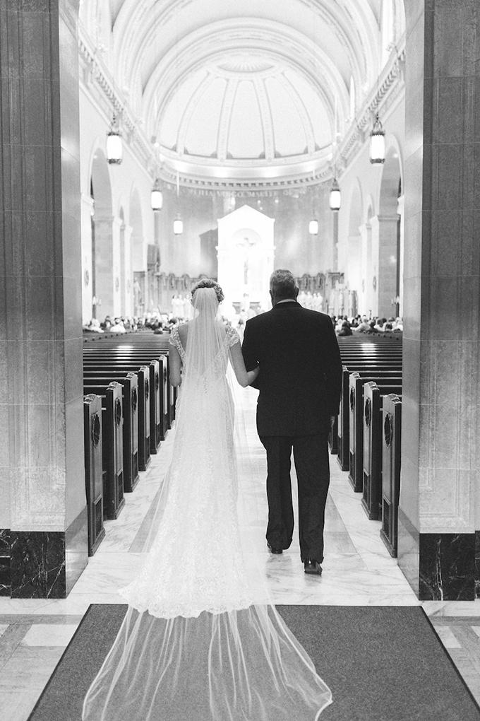 romantic candlelit wedding | Ashley Crawford Photography | Glamour & Grace-13