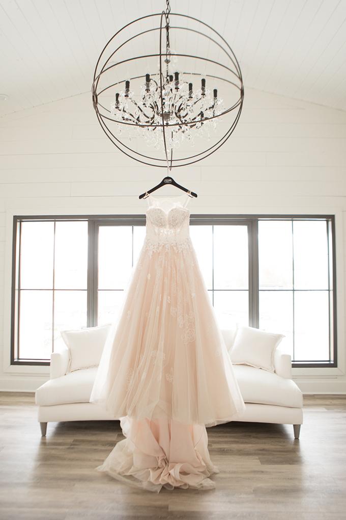 timeless farmhouse wedding inspiration | JW Baugh Photography | Glamour & Grace-01