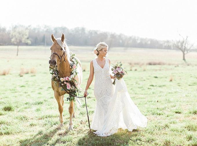elegant Southern wedding inspiration | Tammy Odell Photography | Glamour & Grace-18