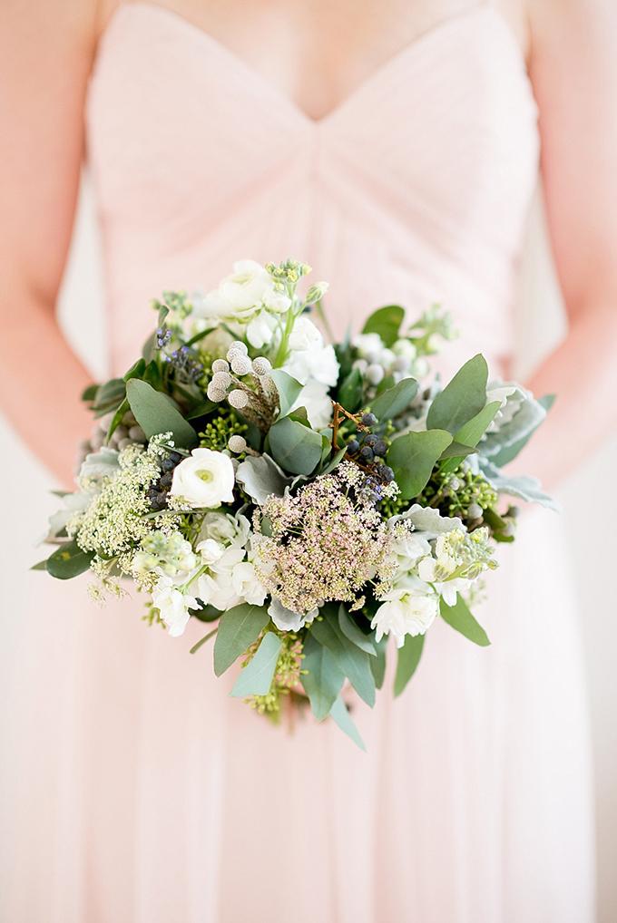 elegant blue and white wedding inspiration | Mikkel Paige Photography | Glamour & Grace-09