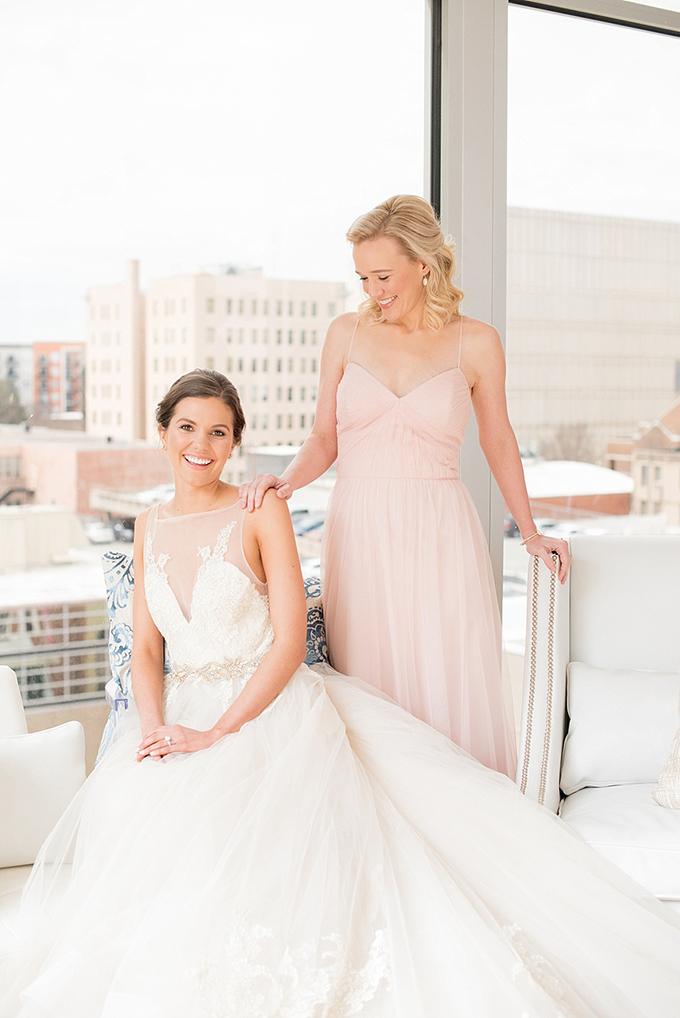 elegant blue and white wedding inspiration | Mikkel Paige Photography | Glamour & Grace-12