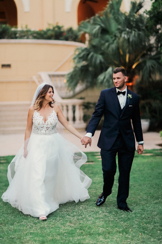 romantic elegant Florida wedding | Binary Flips | Glamour & Grace-21