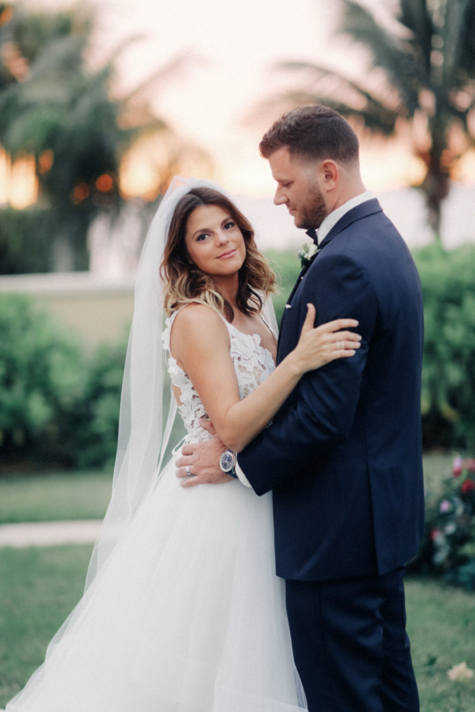 romantic elegant Florida wedding | Binary Flips | Glamour & Grace-24