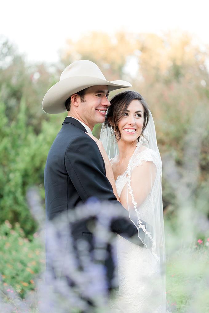 purple Texas garden wedding | Arden Prucha Photography | Glamour & Grace