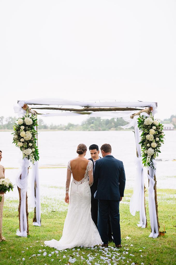 coastal greenery wedding | Nicole Barr Photography | Glamour & Grace