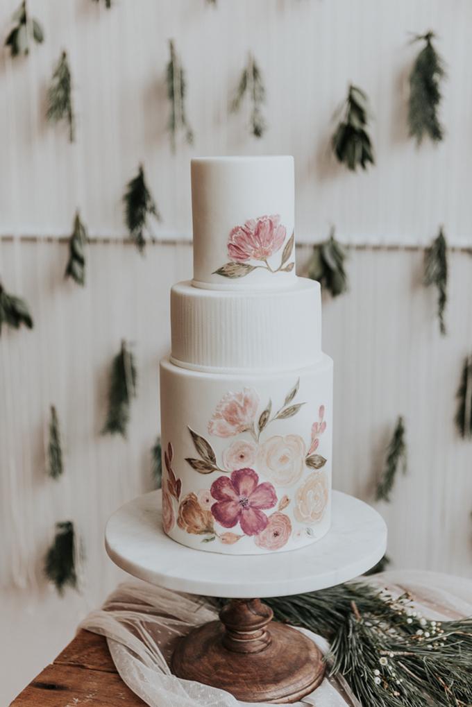 romantic and cozy winter wedding inspiration | Sarah Olivia Photography | Glamour & Grace