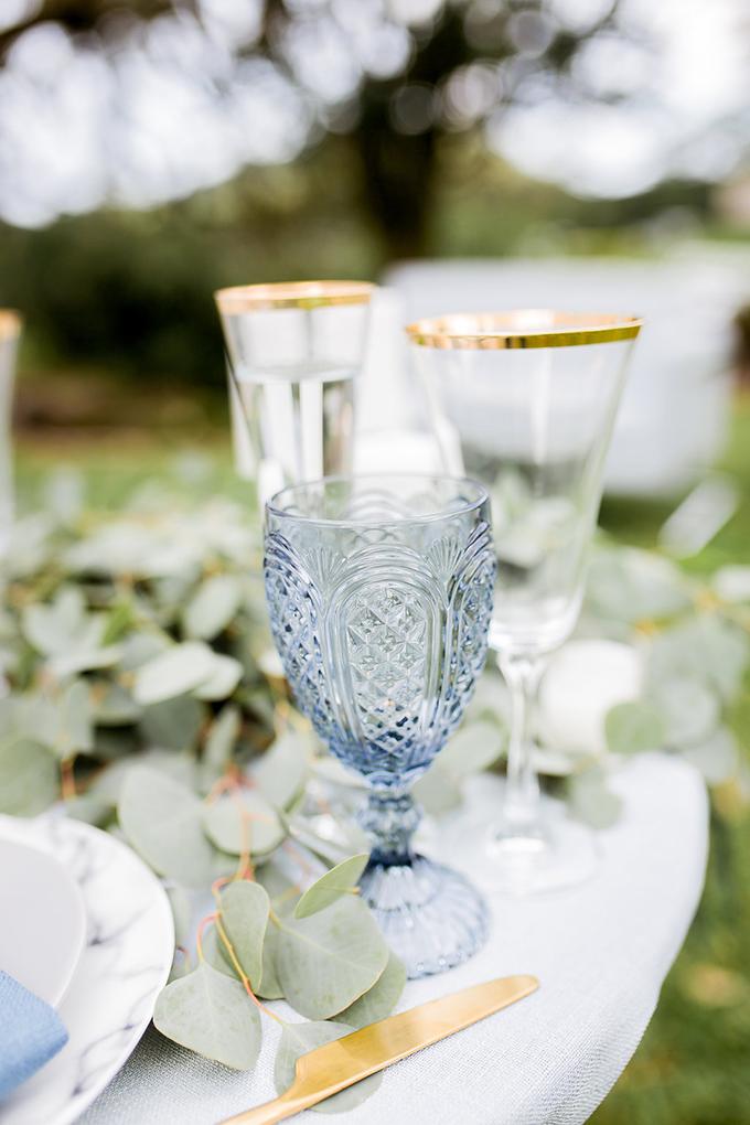 romantic blue Hawaiian wedding inspiration   Vanessa Hicks Photography   Glamour & Grace