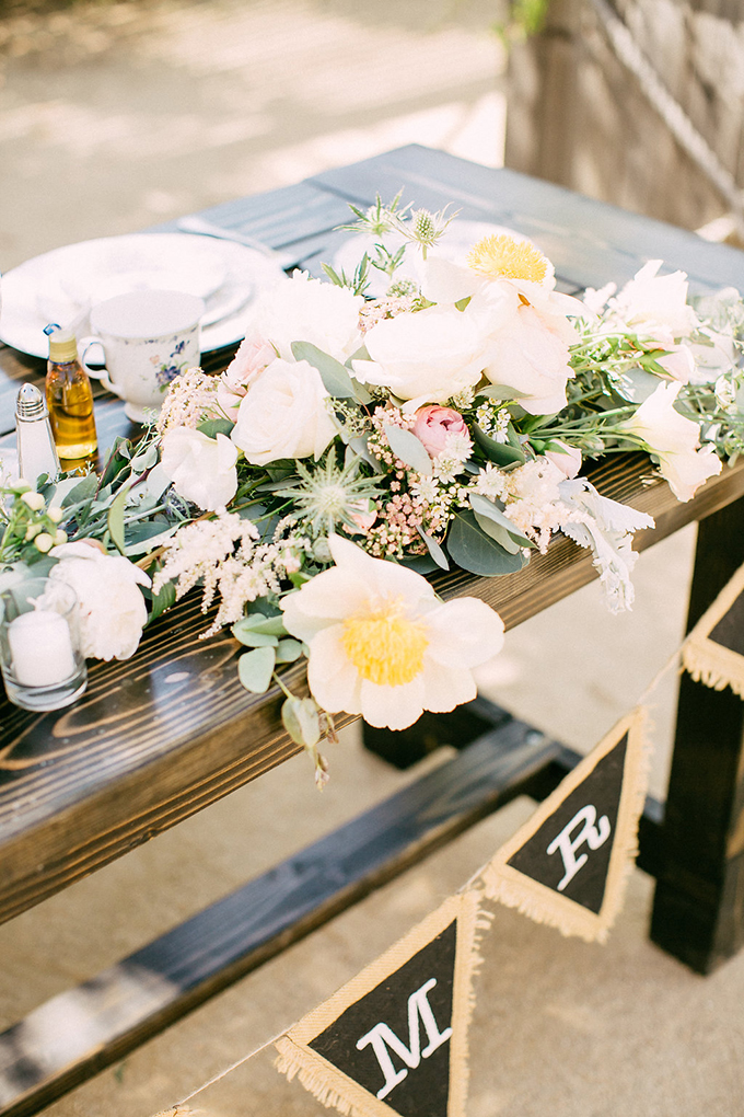 rustic spring wedding | Allie Lindsey Photography | Glamour & Grace