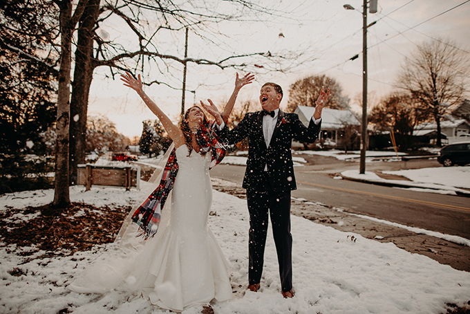 fun Christmas wedding | Aline Marin Photography | Glamour & Grace