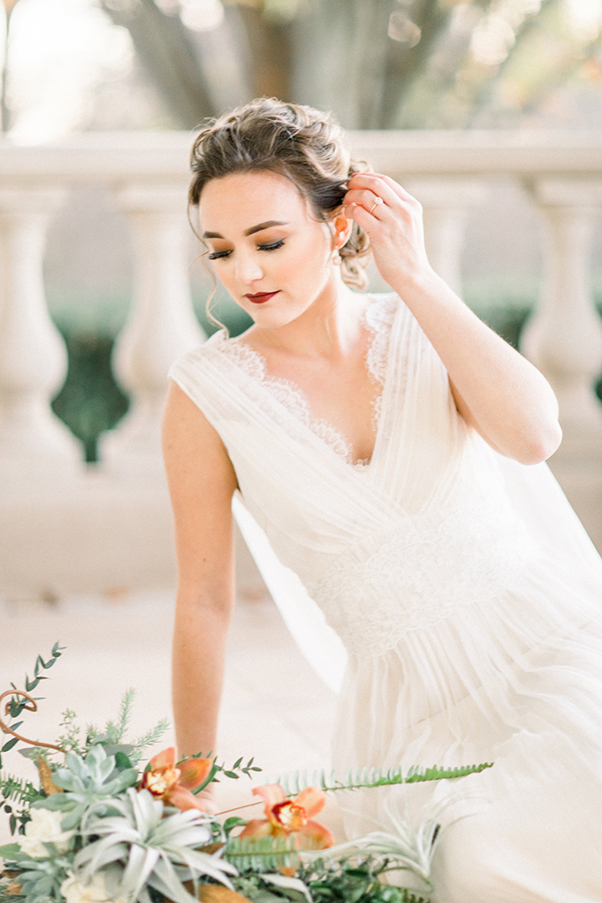romantic estate bridal portraits | Lieb Photographic | Glamour & Grace