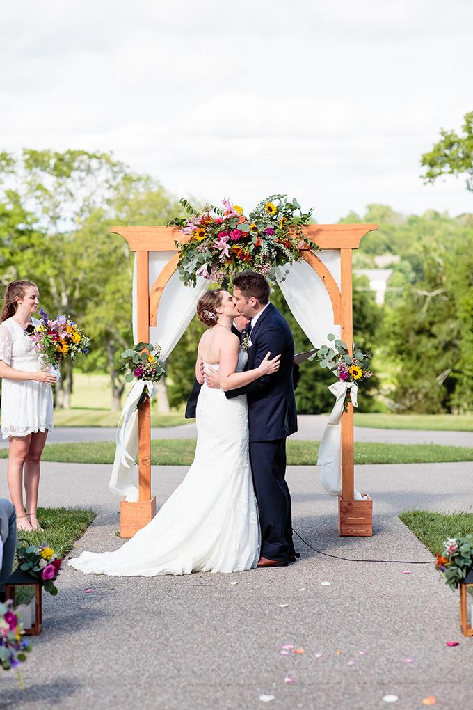 wildflower summer wedding | Erin Lee Allender Photography | Glamour & Grace