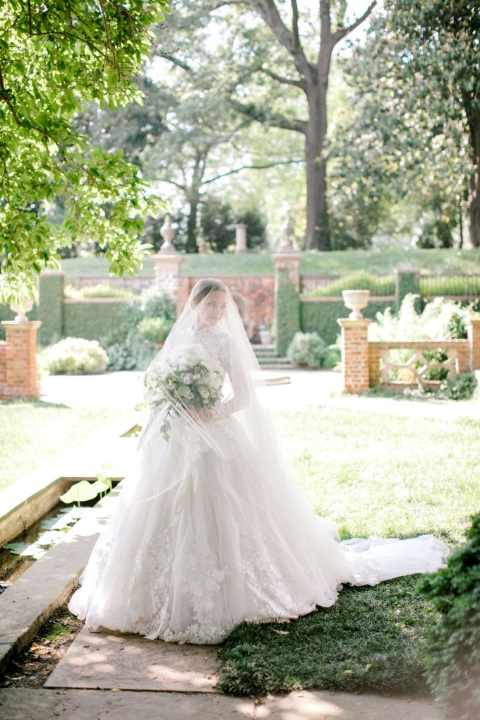 romantic spring bridal inspiration | Kara Powers Photography | Glamour & Grace