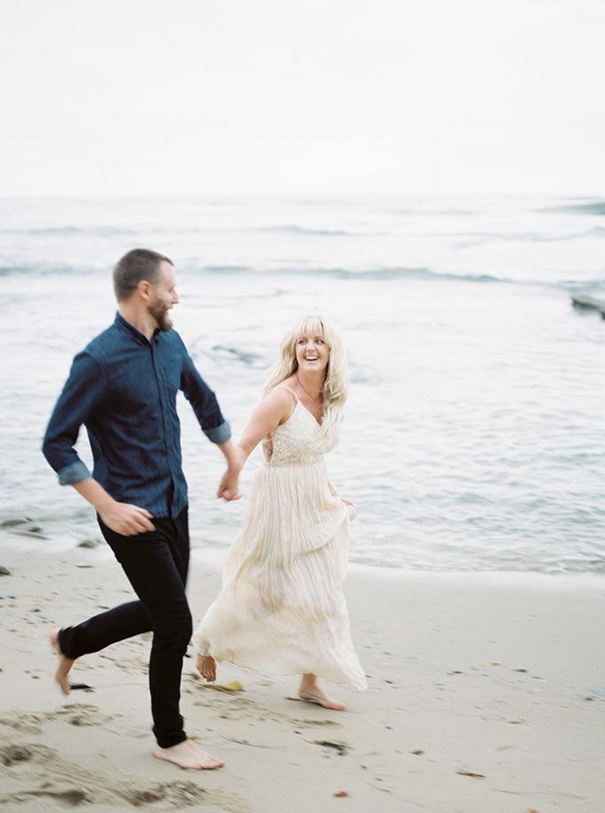 San Diego beach anniversary | Lianna Marie Photography | Glamour & Grace