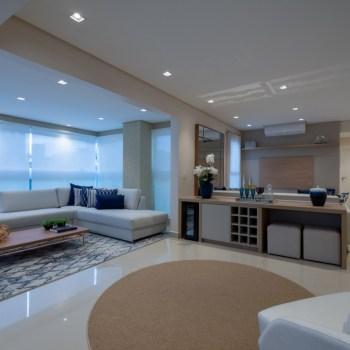 Arquiteto Felipe Rojo e Glamour Móveis assinam projeto de apartamento decorado