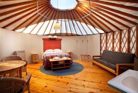 inside-yurt1