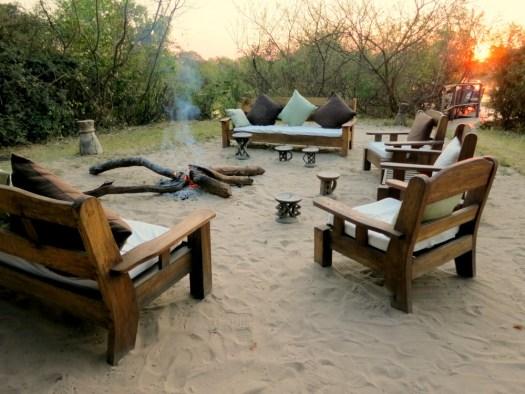 04-outdoor-livingroom-sindabezi-honeytrek