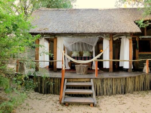 2.villa-Sindabezi-HoneyTrek.com