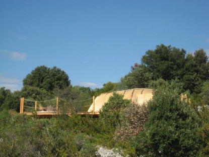 Case Songhoy Gao au glamping Le Campement Tamana à Bidon en Ardèche