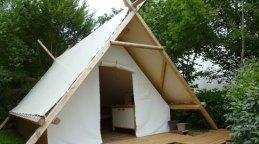 Tente trappeur classique au Glamping Camping Pré Fixe à Cassabagnere-Tournas en Midi-Pyrénées