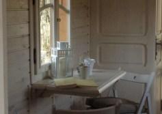 Intérieur roulotte La Romanée au glamping Les Cabanes de la Romaningue à Pompignac en Aquitaine