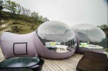 La Bulle suite avec sa terrasse privative au glamping Les Gouttes d'Eau à Labastide de Penne en Midi-Pyrénées