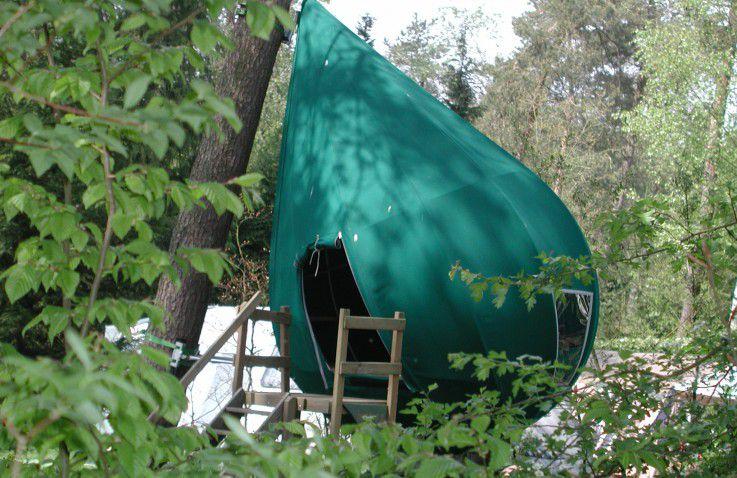 Camping De Hertshoorn  Luxe boomtenten op de Veluwe