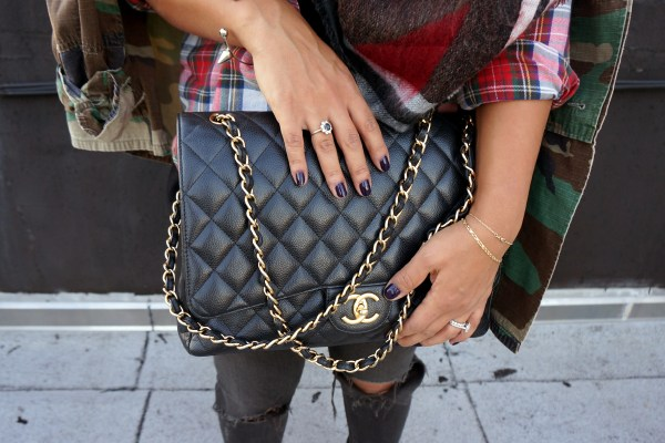 Chanel Maxi Caviar Black Gold Hardware